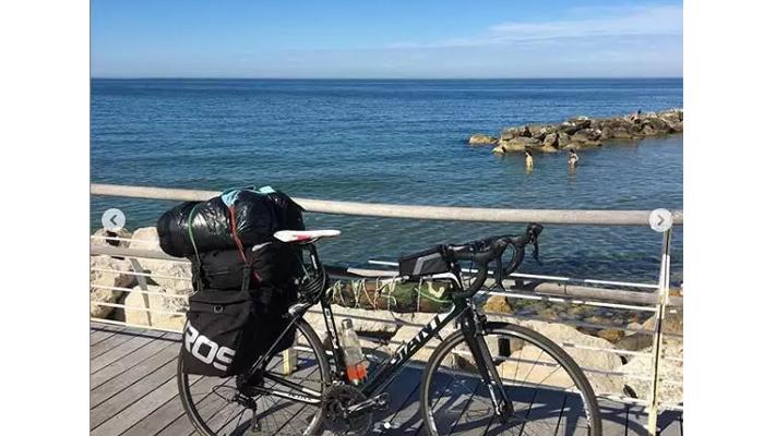 ก็คนมันคิดถึงบ้าน เลยปั่นจักรยานกลับ สกอตแลนด์ เอเธนส์ 3,500 กิโลเมตร