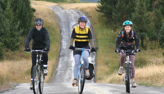 สาว ๆ นักปั่นชอบใจ ผลการวิจัยชี้ ปั่นจักรยานช่วยชะลอแก่ได้