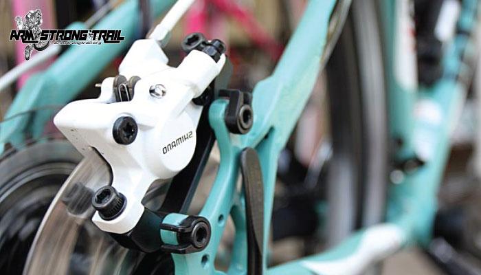 วิธีการสังเกตว่าผ้าเบรกจักรยานถึงเวลาเปลี่ยนหรือยัง